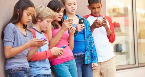 kids-and-cellphones-620x330.jpg