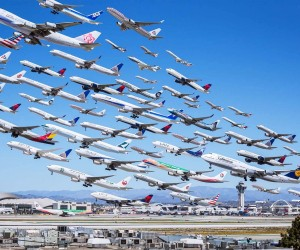 Many-airplanes-flying-together-amazing-300x250.jpg